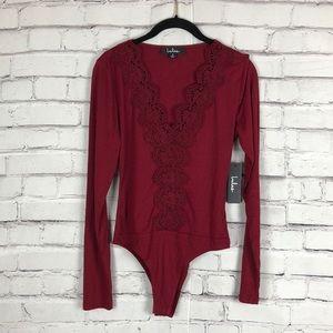 NWT Lulus long sleeve V neck lace bodysuit size S